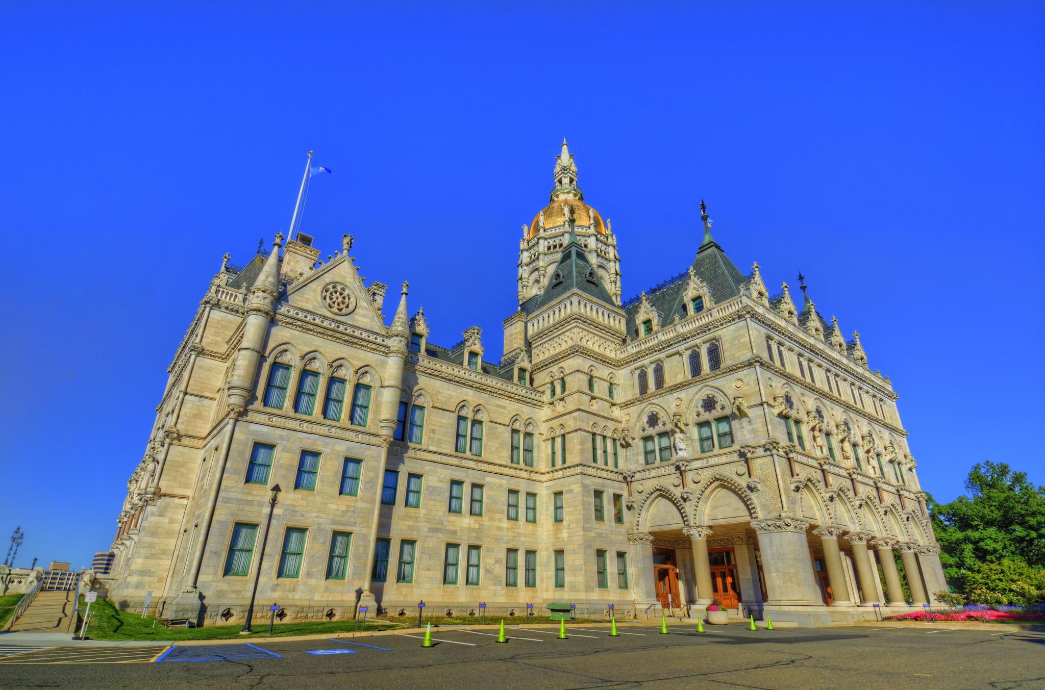 CT Capitol building flickr.com/craigfildes cc