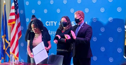 MA- Mayor Janey signing BERDO. Photo by Paulina Casasola