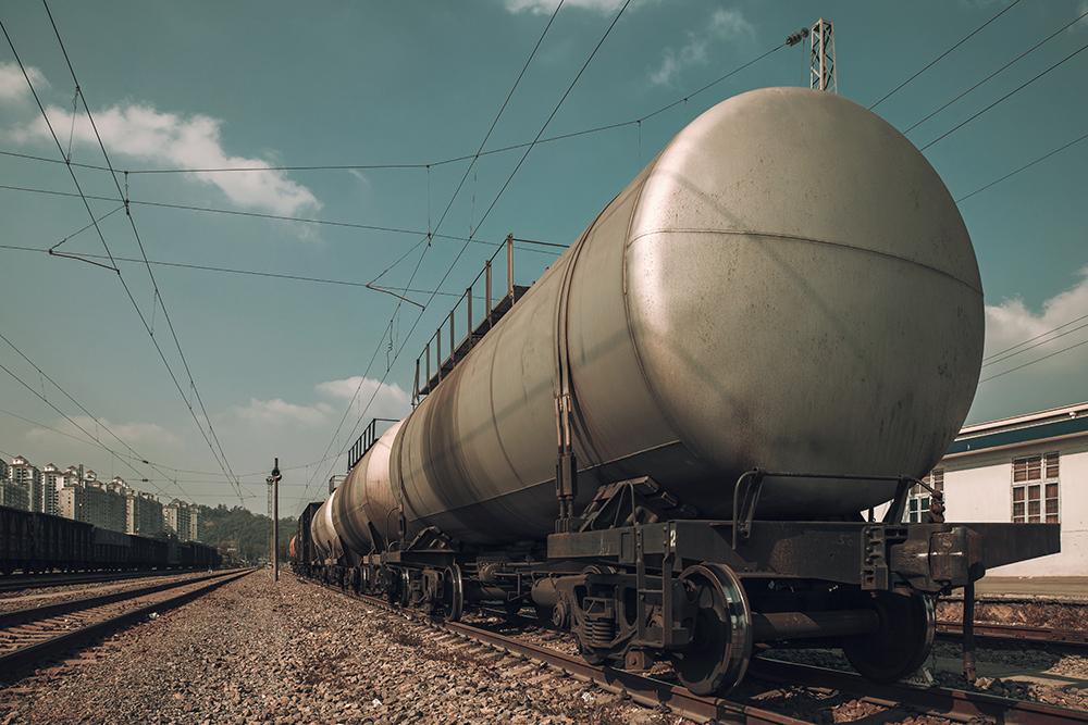 Oil trains. photo: istock, breath10