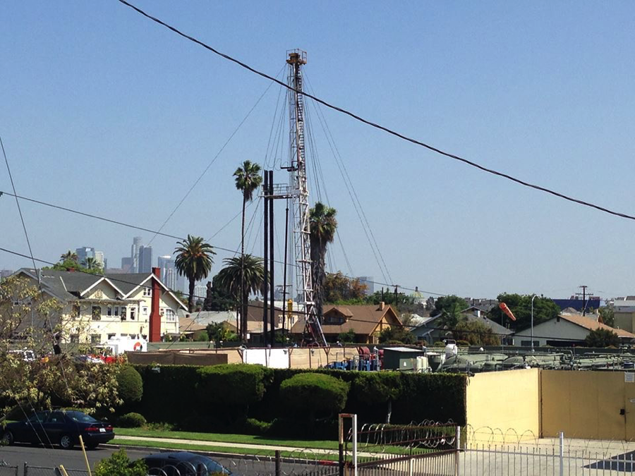 An oil drilling operation in a neighbourhood in Los Angeles. Image courtesy of Stand Together Against Neighborhood Drilling  and Stand L.A.